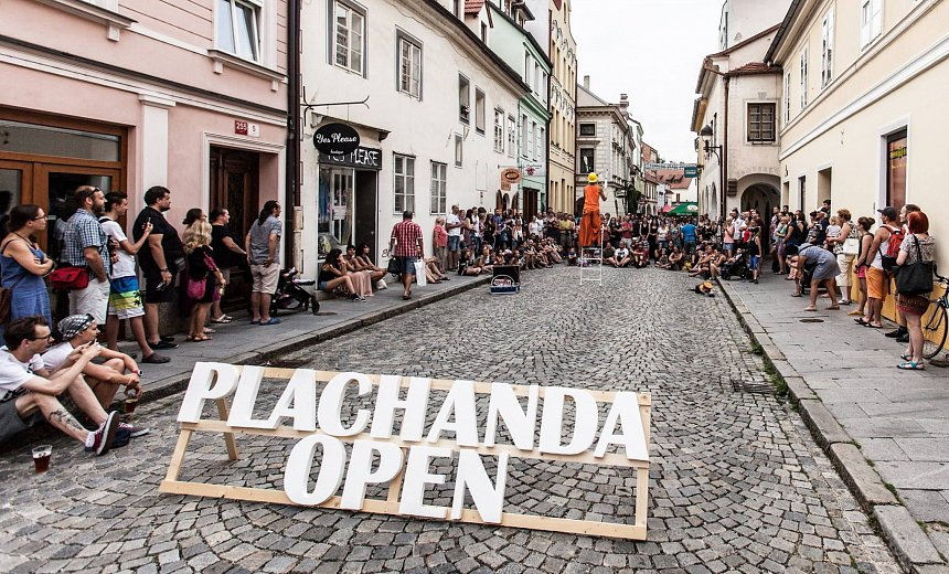 Plachanda open